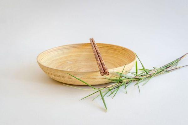 Bambus Teller, tief mit Essstäbchen