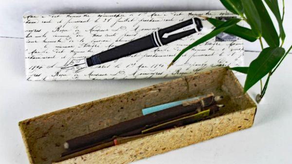 Bleistiftbox aus handgeschöpftem Elefantenpups Papier