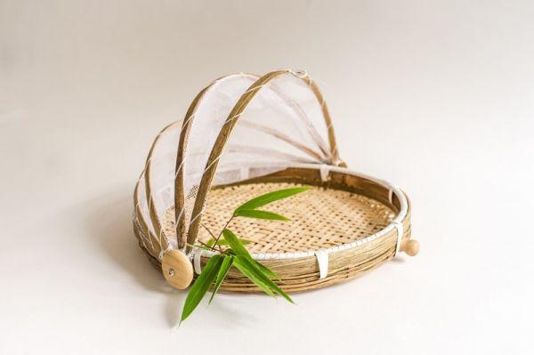 Bambus Tablett mit Abdeckhaube, Bambuskorb mit Insektenschutz