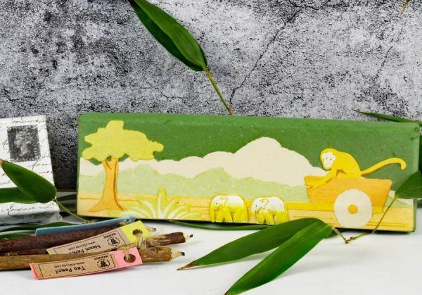 Bleistiftbox aus handgeschöpftem Papier